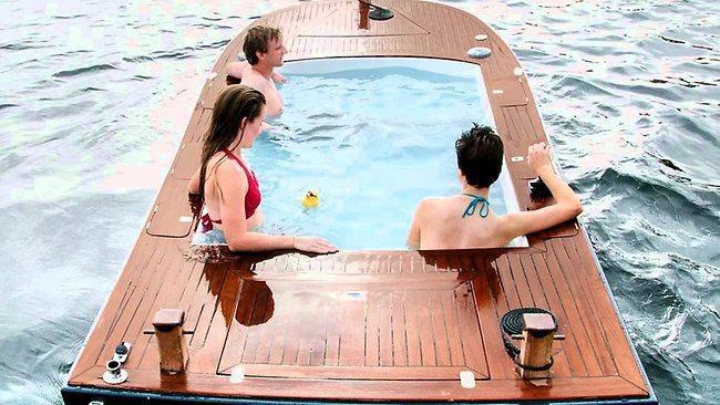 798370-hot-tub-boat