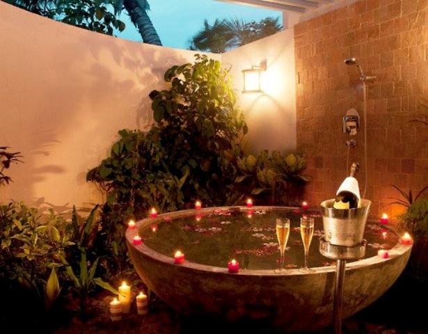 awesome-garden-hot-tubs-3